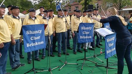 Shanty-Chor Brinkum auf dem Weinfest in Stuhr